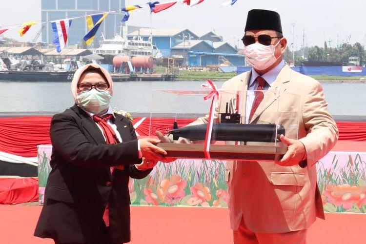 Menteri Pertahanan (Menhan) Prabowo Subianto meresmikan kehadiran kapal selam bernama Alugoro-405 di Surabaya, Jawa Timur, Rabu (17/3/2021).