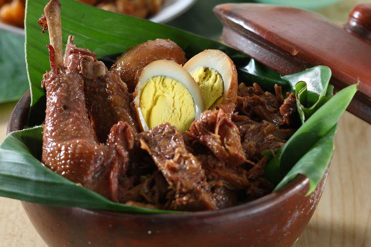 Gudeg, makanan khas Yogyakarta.