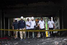 Garis Polisi di Gedung Utama Kejagung yang Terbakar Dibuka