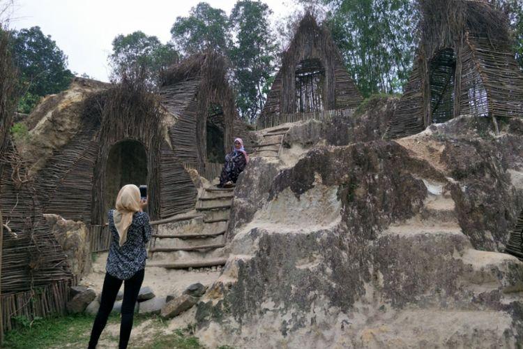 Spot menarik di kawasan wisata Tebing Koja yang dapat digunakan untuk menggelar sesi foto prewedding.