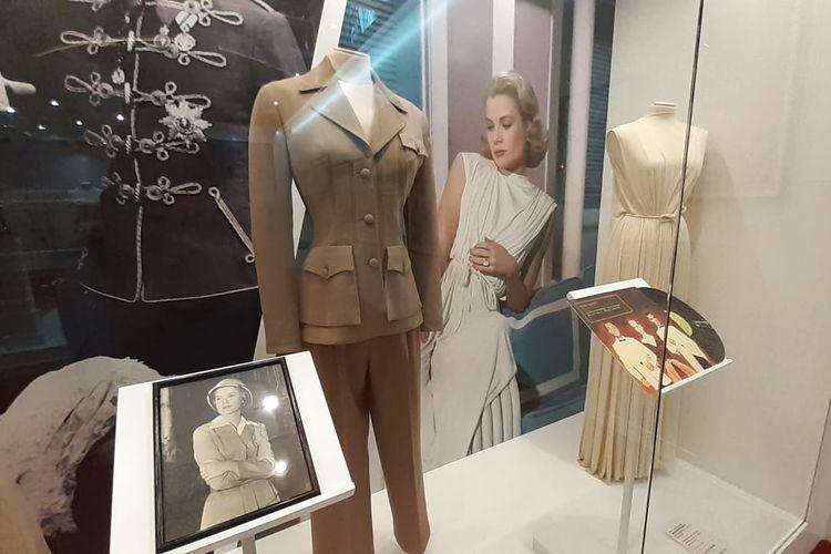 Sejumlah pakaian yang pernah dikenakan Putri Grace Kelly semasa hidup. Barang-barang pribadi mantan aktris Hollywood ini dipamerkan di Galaxy Macao dalam pameran berjudul Grace Kelly-From Hollywood to Monaco.