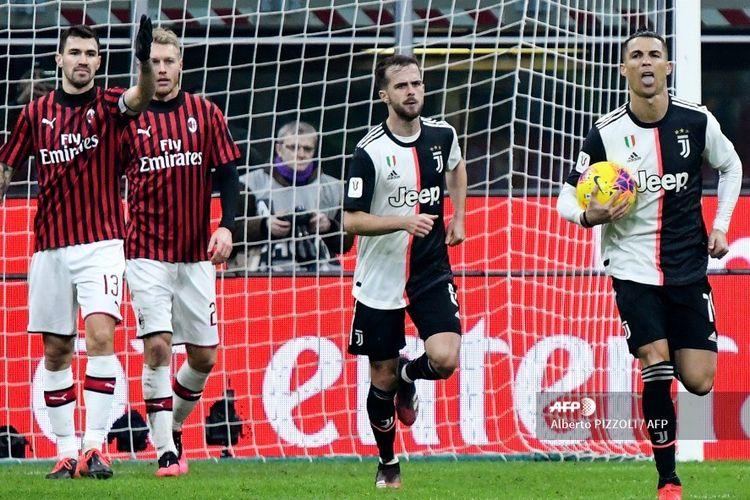 Penyerang Juventus, Cristiano Ronaldo, merayakan gol ke gawang AC Milan pada laga leg pertama semifinal Coppa Italia, 13 Februari 2020.