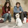 Sinopsis Hotel for Dogs, Kisah Kakak Beradik Penyelamat Anjing Liar