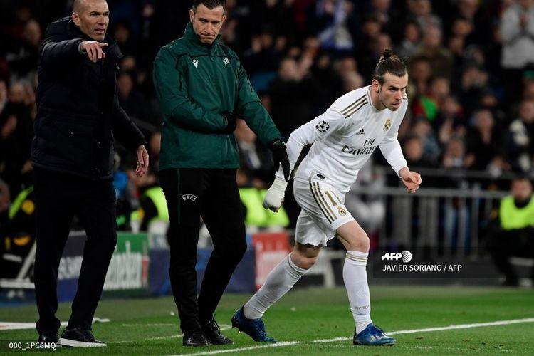 Penyerang Real Madrid, Gareth Bale, masuk ke lapangan pada laga babak 16 besar Liga Champions kontra Manchester City di Stadion Santiago Bernabeu, Kamis (27/2/2020) pagi WIB.