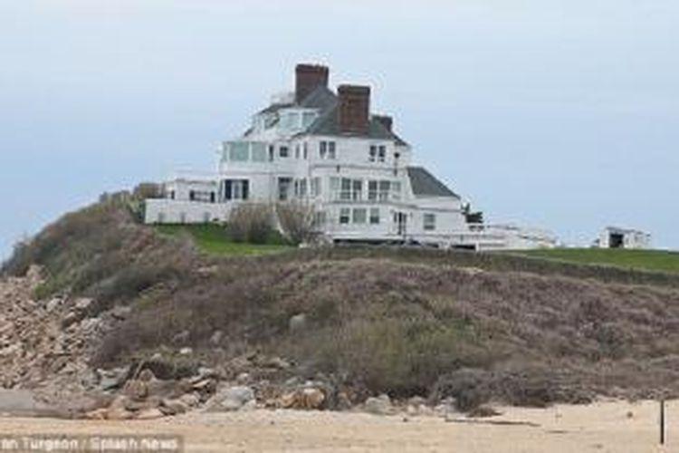 Rumah mewah Taylor Swift di Rhode Island.