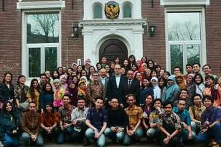 Para pelajar Indonesia penerima beasiswa Studeren in Nederland (StuNed) di Belanda menggagas forum diskusi