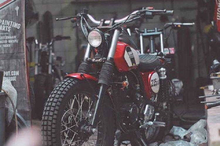 Yamaha Scorpio dengan ubahan bergaya Vintage Trail garapan bengkel Katros Garage.