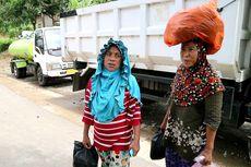 Pemukimannya Terisolir, Korban Longsor Gowa Bertaruh Nyawa Cari Bantuan Sembako