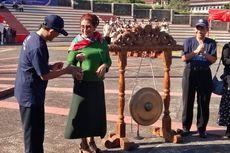 Lepas KKN UGM, Susi Pudjiastuti Minta Mahasiswa Mengedukasi Nelayan untuk Menjaga Laut