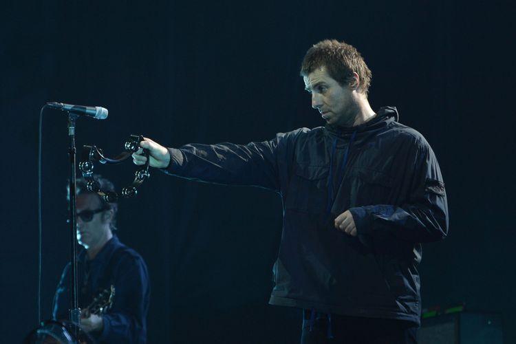 Mantan vokalis grup band Oasis, Liam Gallagher, beraksi dalam konser musik bertajuk Liam Gallagher of OASIS World Tour 2018 di Ecovention Hall Ancol, Jakart, Minggu (14/1/2018). Dalam konser pertamanya di Indonesia, Liam Gallagher membawakan lagu dari album solonya bertajuk As You Were dan sejumlah lagu Oasis.