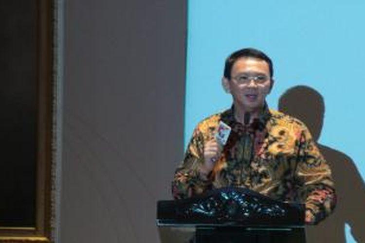 Gubernur DKI Jakarta Basuki Tjahaja Purnama saat memberikan sambutan di acara Women for the World, di Balai Agung, Balai Kota, Kamis (7/5/2015).