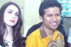Datangi KPK, Arumi Bachsin Temani Suaminya Serahkan LHKPN