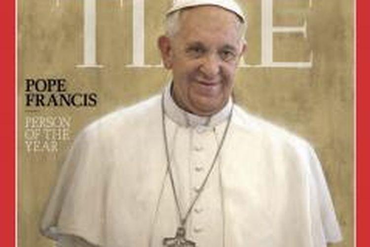 Paus Fransiskus dinobatkan menjadi