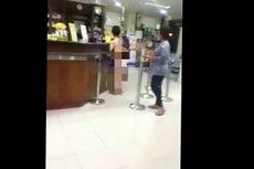 Beredar Video Perempuan Nyaris Bugil Belanja di Apotek di Mangga Besar