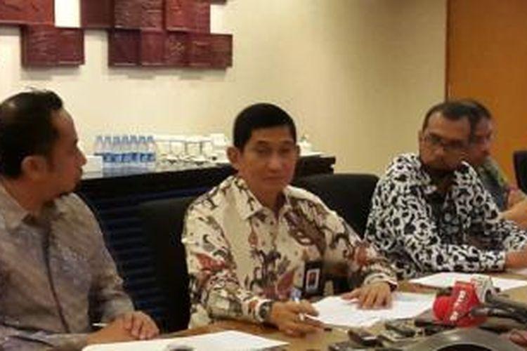 Presiden Direktur PT Freeport Indonesia (PTFI), Maroef Sjamsoeddin (tengah)