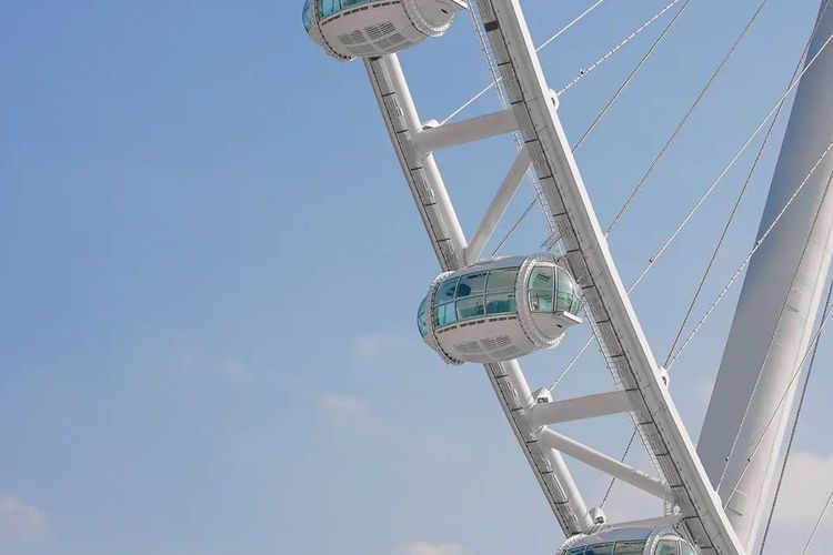 Salah satu kabin dari bianglala tertinggi di dunia, Ain Dubai.