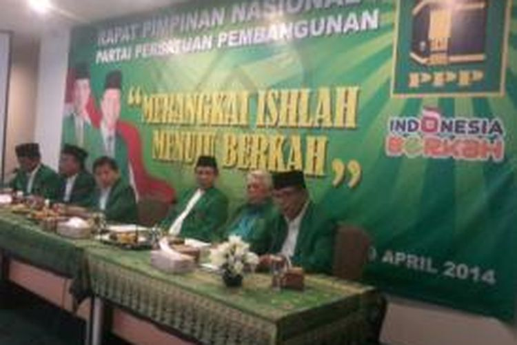 Partai Persatuan Pembangunan menggelar Rapat Pimpinan Nasional (Rapimnas) di Kantor DPP PPP, Jakarta, Sabtu (29/4/2014) malam. Rapat tersebut dimulai tanpa Ketua Umum PPP Suryadharma Ali dan kubunya