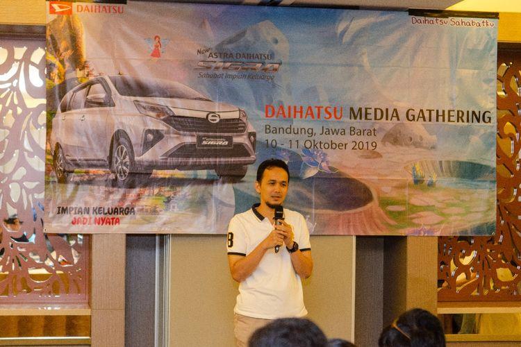 Executive Coordinator Design Engineering R&D Astra Daihatsu Motor Soni Satriya menjelaskan tentang riset dan pengembangan Daihatsu Indonesia.