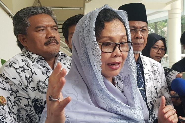Ketua Umum PGRI Unifah Rosyid usai bertemu Wapres Maruf Amin di Kantor Wapres, Jalan Medan Merdeka Utara, Jakarta Pusat, Rabu (22/1/2020).