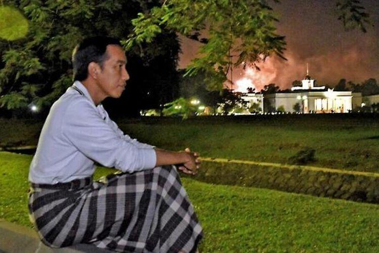 Presiden Joko Widodo atau Jokowi saat menikmati pergantian tahun 2016 ke 2017.