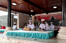 Clerics From 6 Faiths Pray At Soekarno's Tomb to Commemorate His Death