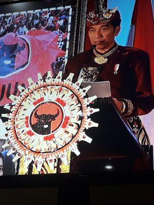 Presiden Joko Widodo memberi sambutan dalam Kongres V PDI-P di Sanur, Bali, Kamis (8/8/2019).