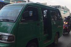 Hari Pertama PSBB Proporsional, Pintu Masuk Kota Bandung Dipadati Kendaraan