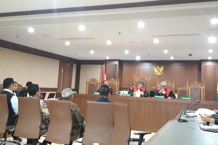 Empat saksi di persidangan kasus hoaks 7 kontainer surat suara tercoblos dengan terdakwa Bagus Bawana Putra, Kamis (11/4/2019)