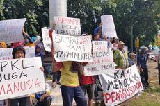 Terdampak Revitalisasi Alun-alun Kota Tegal, PKL Demo Tuntut Direlokasi