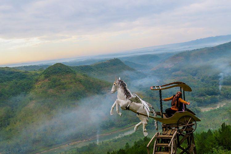 Spot foto kuda terbang di Bukit Panguk, Bantul.