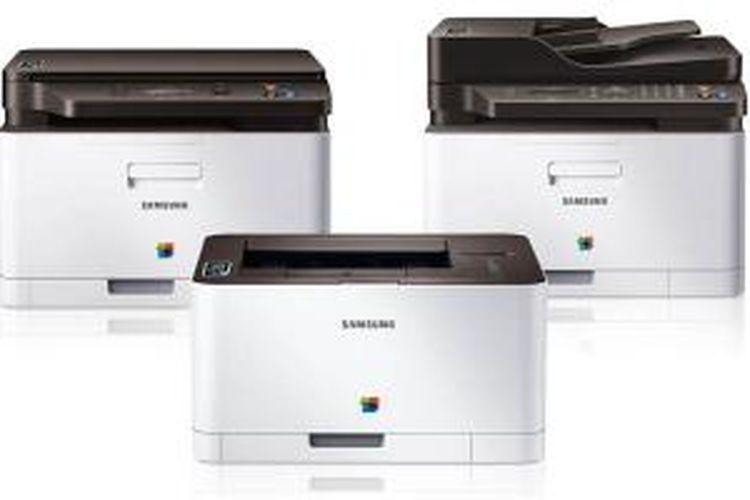 Printer Samsung dengan fitur NFC, printer laser warna C410W (tengah), printer laser warna C460W yang bisa juga dijadikan mesin fotokopi dan scanner (kiri), dan printer laser warna C460FW yang juga berfungsi sebagai mesin fotokopi, scanner, dan mesin faks (kanan).