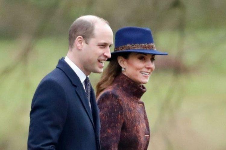 Pangeran William dan Kate Middleton saat menghadiri kebaktian di Gereja St Mary Magdalene di Sandringham, Norfolk, Inggri, Minggu (5/1/2020) waktu setempat.