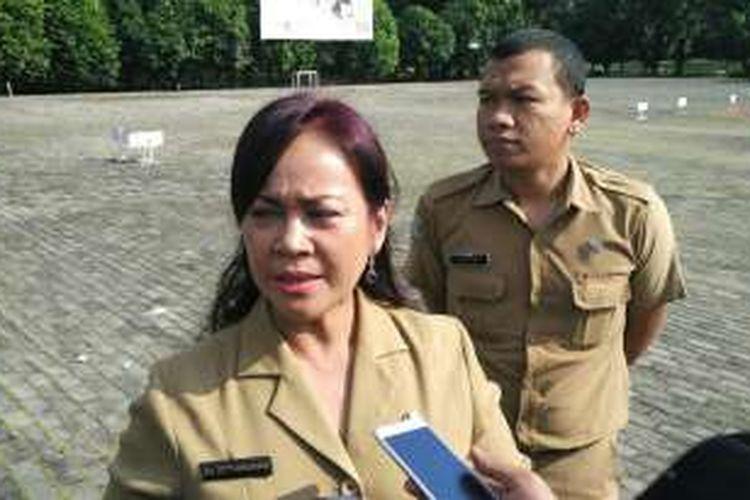 Sekretaris Dinas Kesehatan Kota Bekasi Tetty Manurung menjelaskan soal daftar rumah sakit pengguna vaksin palsu yang beredar beberapa waktu lalu di media sosial.