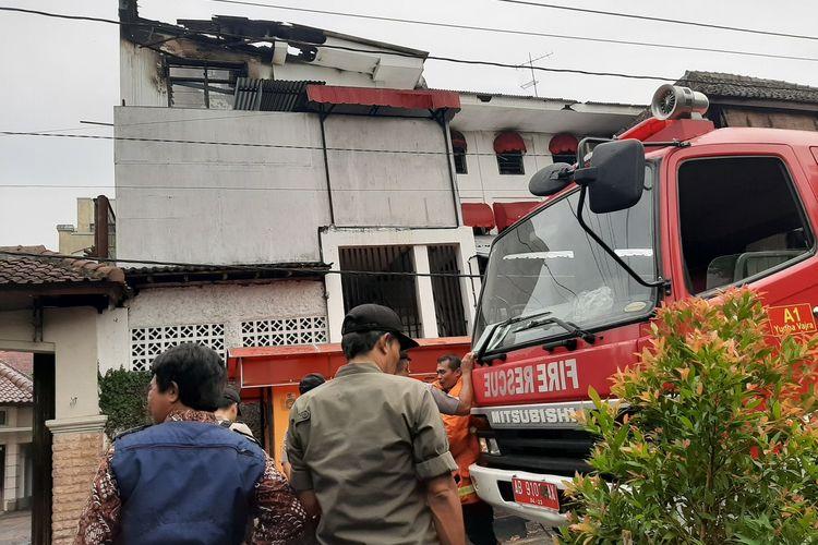 Kondisi kamar yang dijadikan mess karyawan rumah makan The House of Raminten di Jalan Sunaryo, Kotabaru, Kota Yogyakarta setelah mengalami kebakaran.