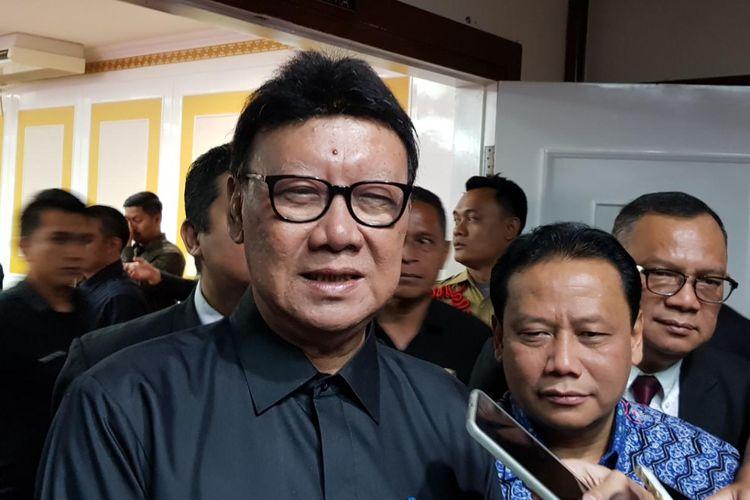 Menteri Dalam Negeri Tjahjo Kumolo usai melantik pejabat DKPP di Kementerian Dalam Negeri, Kamis (15/8/2019).