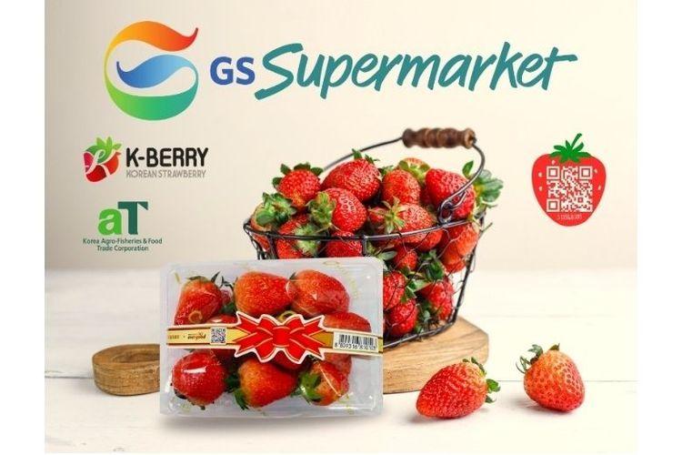 GS Supermarket menghadirkan strawberry asal Korea yang terkenal segar dan manis