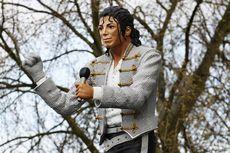 Lirik dan Chord Lagu Leave Me Alone - Michael Jackson