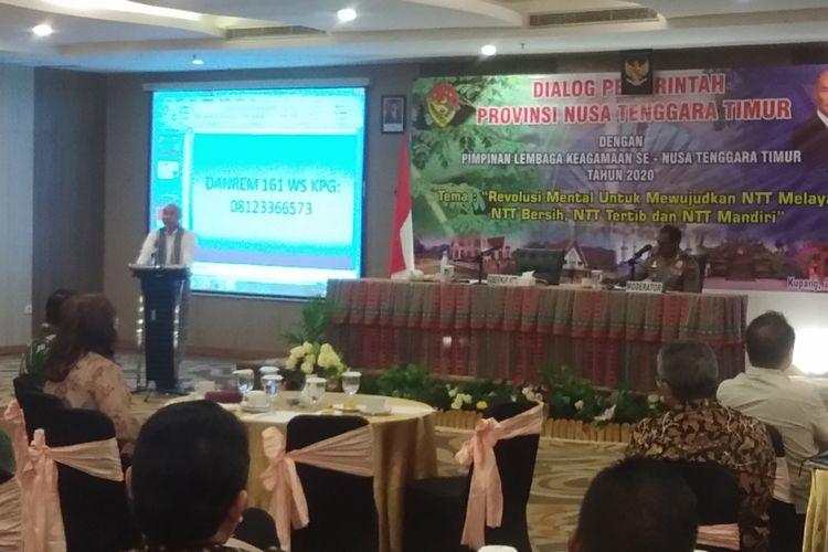 Gubernur NTT Viktor Bungtilu Laikodat, saat menjadi pembicara dalam dialog pemerintah NTT dengan pimpinan lembaga keagamaan se-NTT, yang digelar di Hotel Swis Bellin Kristal Kupang, Selasa (25/2/2020) pagi
