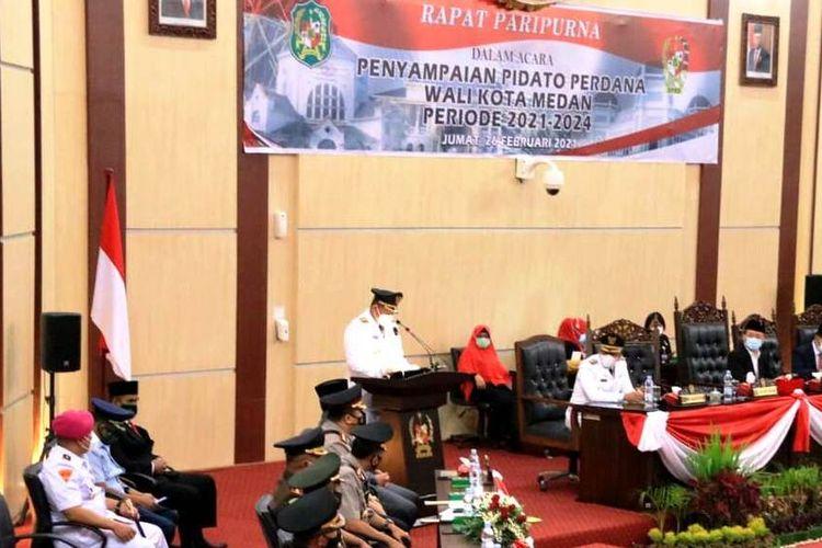 Wali Kota Medan Muhammad Bobby Afif Nasution menyampaikan pidato perdananya di rapat paripurna DPRD Medan, Jumat (26/2/2021)