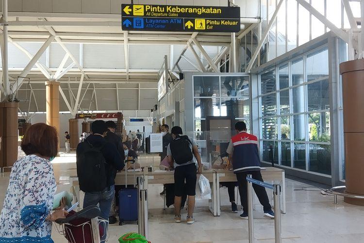 suasana Penumpang di Bandara Internasional Lombok