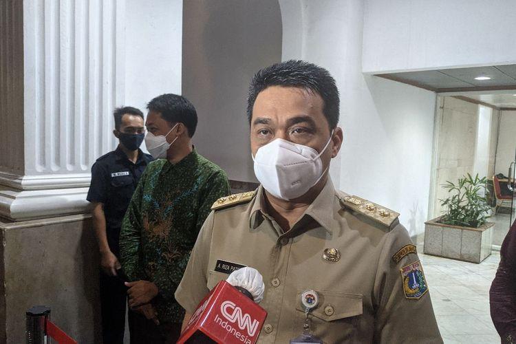 Wakil Gubernur DKI Jakarta Ahmad Riza Patria saat ditemui di Balaikota DKI Jakarta Jalan Medan Merdeka Selatan, Gambir, Jakarta Pusat, Senin (11/1/2021)
