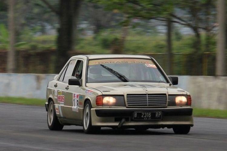 Mercedes-Benz Boxer jadi salah satu mobil yang turun dalam kelas balap mobil retro