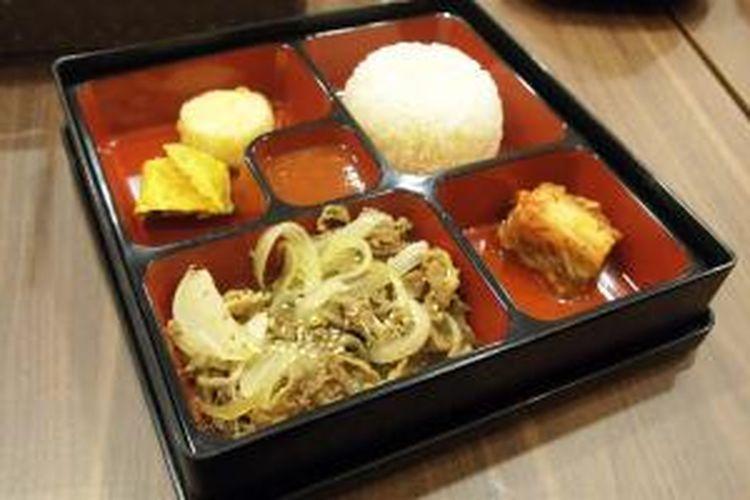 Bulgogi dosirak atau nasi kotak bulgogi khas SamWon Express