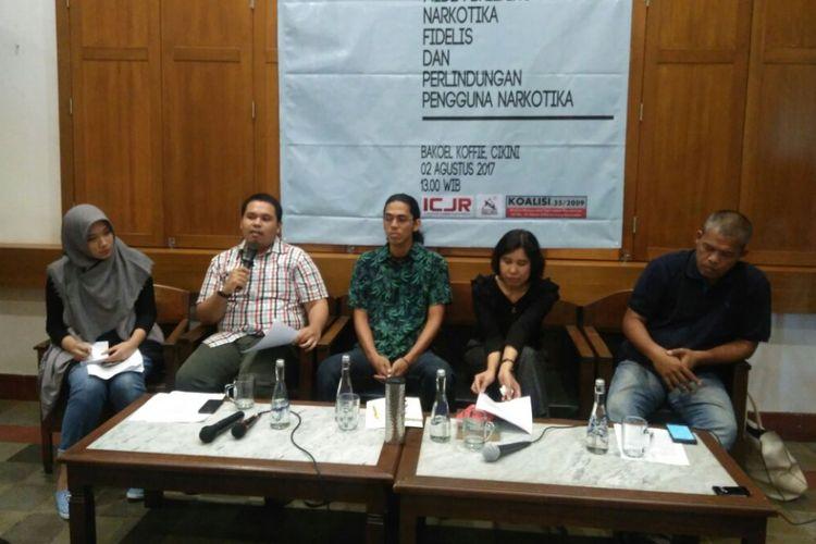 Diskusi publik dengan tajuk Narkotika, Fidelis, dan Perlindungan Pengguna Narkotika di Jakarta, Rabu (2/8/2017). Sejumlah LSM seperti ICJR, Rumah Cemara, Lingkar Ganja Nusantara, dan akademisi akan mengajukan gugatan uji materi Pasal 8 UU Narkotika.