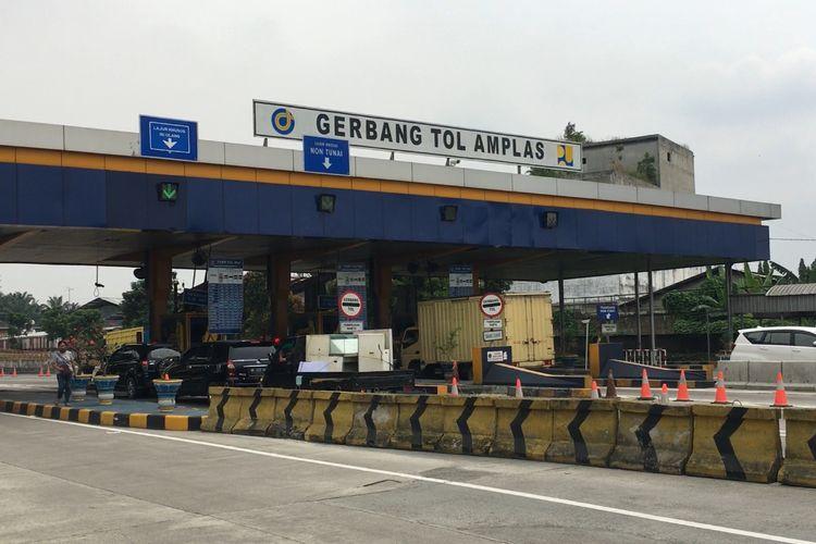 PT Jasa Marga Kualanamu Tol selaku operator ruas tol Medan-Kualanamu-Tebingtinggi (MKTT) menaikkan tarif ruas jalan tol sepanjang 61,7 km tersebut, per 24 Mei 2021. (KOMPAS.com/DANIEL PEKUWALI)