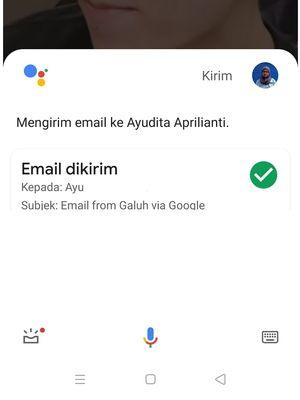 Ilustrasi mengirim email melalui bantuan Google Assistant.