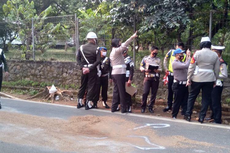 Anggota Polisi Militer Ikut lakukan olah tempat kejadian perkara (TKP) di Jalan Sapi Perah, Pondok Ranggon, Jakarta Timur, Kamis (17/9/2020)