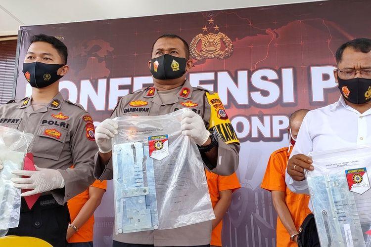 Polres Kulon Progo, Daerah Istimewa Yogyakarta, memberangus para pencuri barang-barang kelistrikan di pembangunan komplek Bandar Udara Yogyakarta International Airport (YIA).