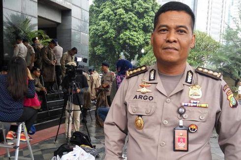 Polisi Minta Spanduk Bertulisan Provokatif dan SARA Dicopot
