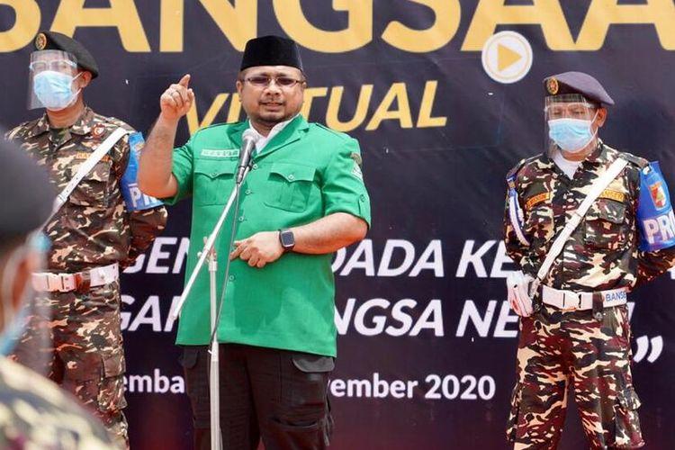 Ketua Umum Pimpinan Pusat GP Ansor, Yaqut Cholil Qoumas atau akrab disapaGus Yaqut saat memberikan orasi pada Apel Kebangsaan Virtual Banser, di Kabupaten Rembang, Jawa Tengah, Minggu (29/11/2020).